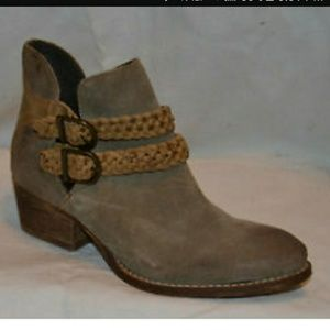 Rebels taupe Leather booties sz 9